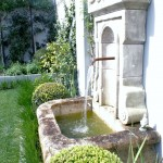 Traditional fountain