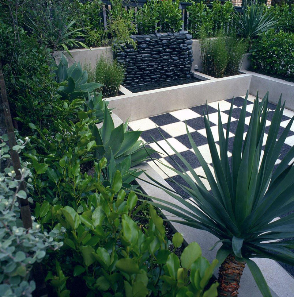 Courtyard garden landscape design garden care services for Small garden designs nz