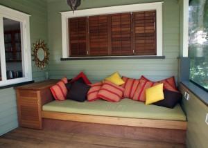 Garden furniture, pots & planters